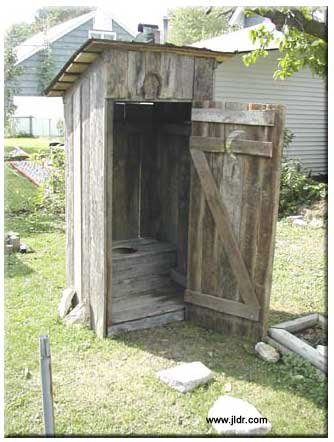 Outhouse designs cabins outhouses outhouse constructed for Outhouse pictures
